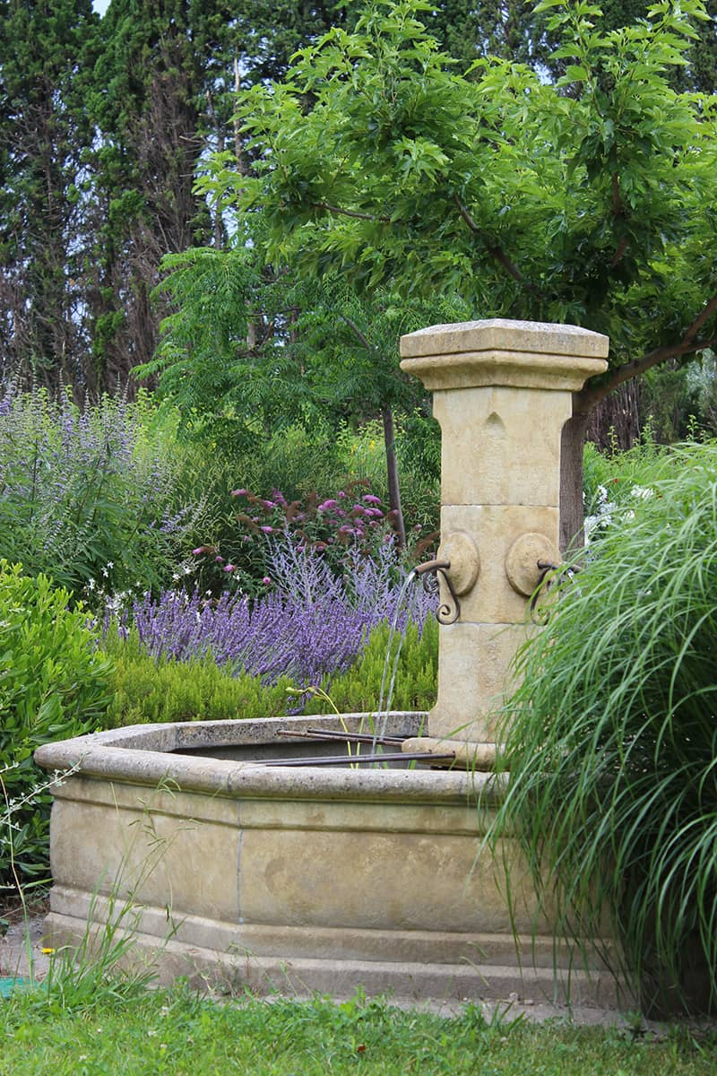 Paysagiste Aménagement Jardin Fontaine Avignon Châteaurenard Saint Remy Provence Lubéron